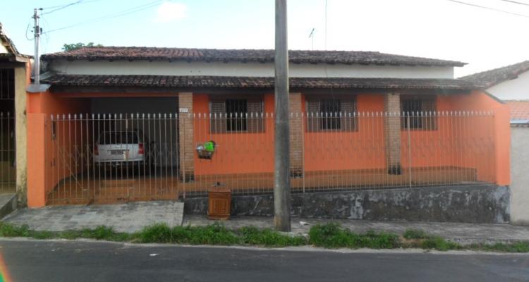 Rua Alexandre Dumont